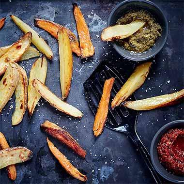Frites-de-pommes-de-terre-et-de-patates-douces